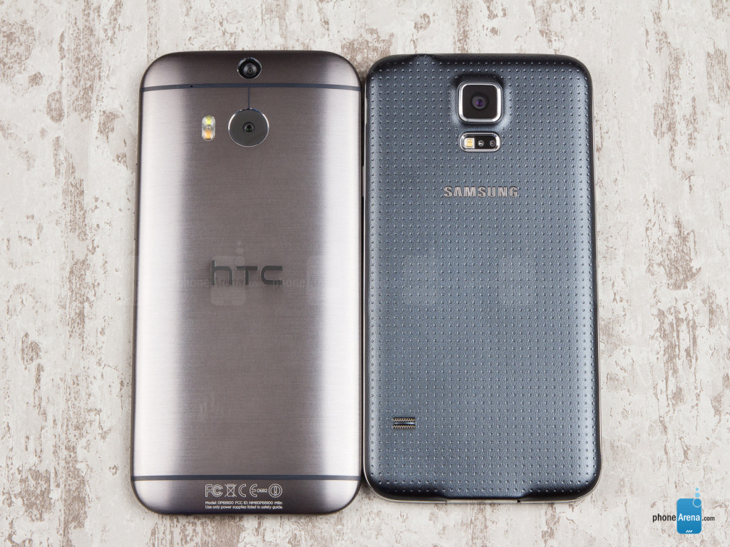 Samsung-Galaxy-S5-vs-HTC-One-M8-02