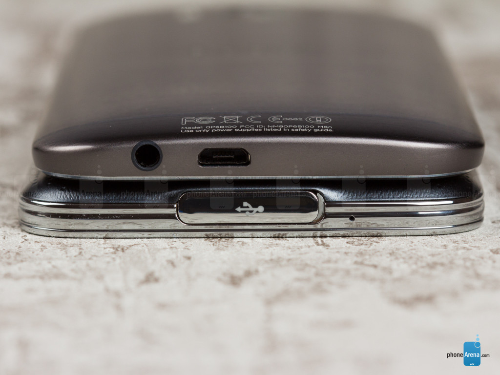 Samsung-Galaxy-S5-vs-HTC-One-M8-07