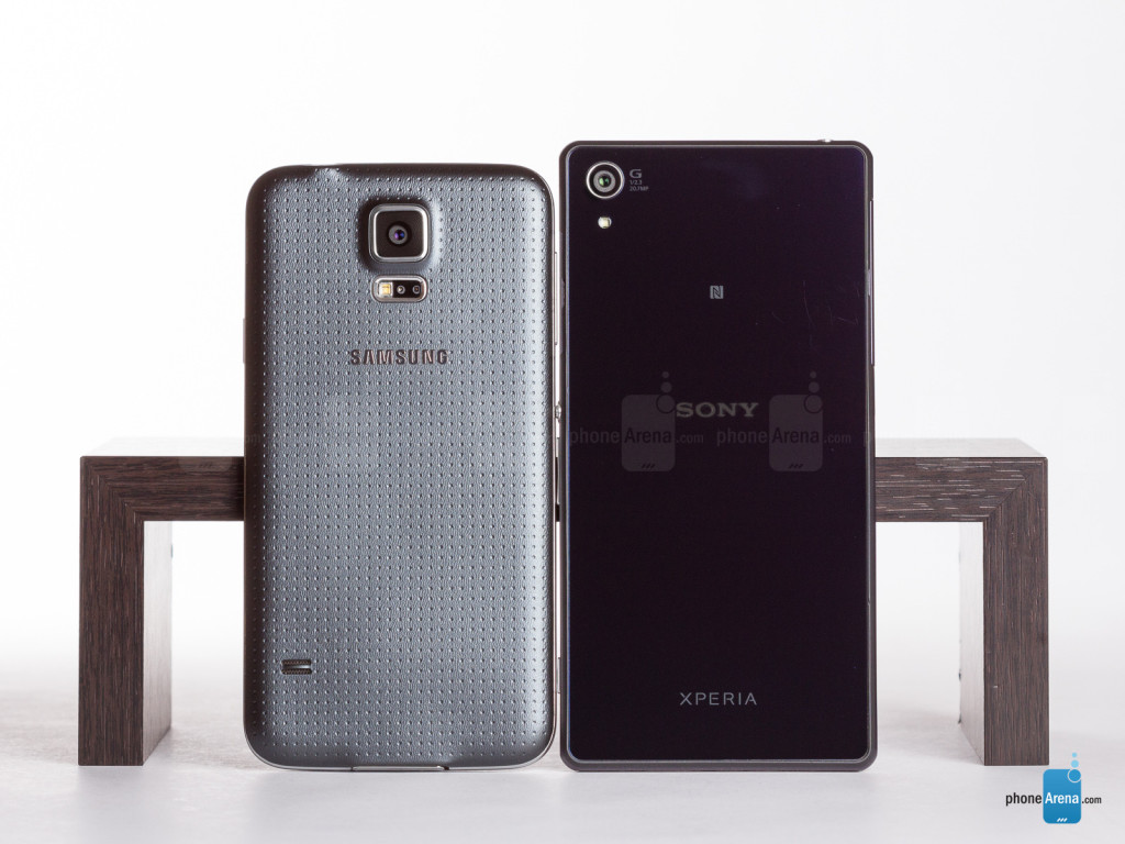 Sony-Xperia-Z2-vs-Samsung-Galaxy-S5-002