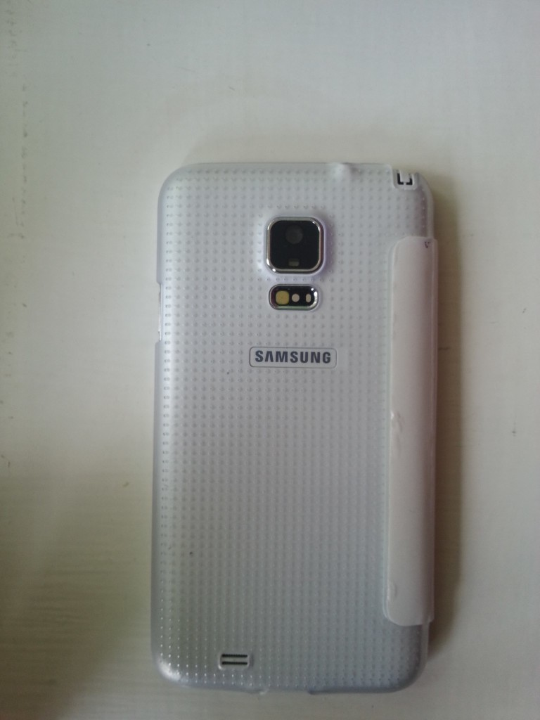 китайская подделка samsung galaxy s5 - задняя панель